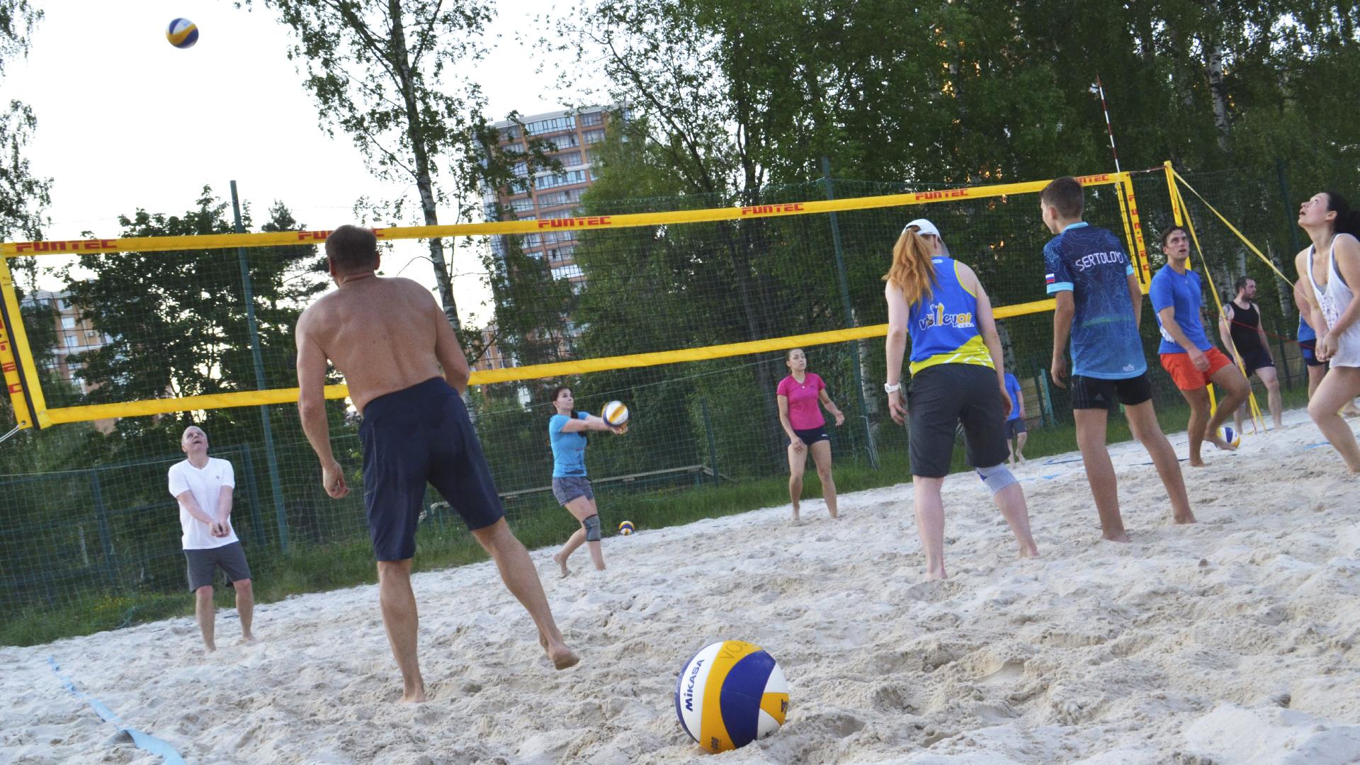 тренировки по пляжному волейболу для взрослых Петербург